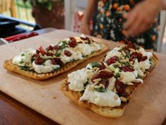 Burrata and Kale Salsa Verde Bruschetta recipe from Giada De Laurentiis via Food Network. This, but maybe with a different kale pesto. Giada De Laurentiis, Salsa Verde, Giada Recipes, Top Recipes, Cooking Recipes, Giada In Italy Recipes, Summer Recipes, Recipies, Food Network Recipes
