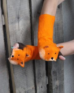 Fox all seasons felted mittens natural felted wool womens Mitten Gloves, Mittens, Gifts For Girls, Gifts For Her, Wool Felt, Felted Wool, Red Fox, Puppets, Style Guides