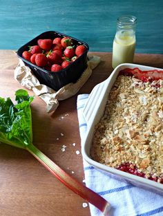 The Spoon and Whisk: Rhubarb and Strawberry Nutty Oaty Crumble