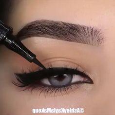 Perfect Eyeliner Makeup Tutorial Video - Make-Up Makeup Eye Looks, Eye Makeup Tips, Eyebrow Makeup, Makeup Videos, Skin Makeup, Makeup Inspo, Eyeshadow Makeup, Yellow Eyeshadow, Makeup Hacks