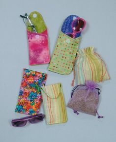 Jiffy Eyeglass Cases & Drawstring bags pattern from Cotton Ginnys Sewing Patterns For Kids, Bag Patterns To Sew, Sewing Projects For Beginners, Sewing Ideas, Drawstring Bag Pattern, Gift Maker, Fabric Scraps, Fabric Boxes, Thing 1