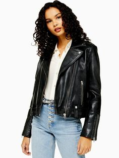 Every Biker Babe Needs A Real Leather Jacket In Their Wardrobe. Invest For Style That Is Beyond Timeless, Season After Season. Why Not Rock Yours With A Tee And Jean Combination For An Effortless Cool-Girl Style. Topshop Style, Style Magazin, Jacket Images, Cool Girl Style, Chiffon Ruffle, Biker Style, Jacket Style, Celebrity Outfits, Girl Fashion