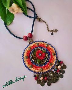 😊🍀🏵 💖🌼🌷🌻🌸🌹🐞 👉 WhatsApp no 05353592627 Sie Grafikdesign Sie Grafikdesign häkeln Crochet Earrings, Beaded Necklace, Mexican Jewelry, Grafik Design, Crochet Accessories, Shibori, Fiber Art, Jewelry Design, Clip Art