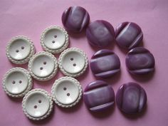 """2 sets of vintage plastic buttons with detail white and purple 3/4"""""""