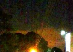 OVNI com luz intensa é filmado sobrevoando Maringá-PR. (Lembrando que OVNI não significa necessariamente nave alienígena, mas sim objeto não identificado.)