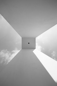 filling the void, air and architecture Minimalist Architecture, Futuristic Architecture, Interior Architecture, Sustainable Architecture, Interior Design, White Art, Black And White, Minimal Photography, Light And Space