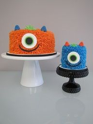 I like the little one for a smash birthday cake. More in my website monster birthday cakes! I like the little one for a smash cake monster birthday cakes! Monster Smash Cakes, Monster Birthday Cakes, Monster 1st Birthdays, 1st Birthday Cakes, Monster Birthday Parties, 1st Boy Birthday, Cake Smash, First Birthday Parties, First Birthdays