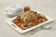 Full of great roasted-in flavor, this chicken and root vegetables recipe brings nutrition - and smiles - to your dinner table. Roast Chicken With Bacon, Chicken Recipes With Tomatoes, Perfect Roast Chicken, Roasted Chicken And Potatoes, Whole Roasted Chicken, Roast Chicken Recipes, Chicken Thigh Recipes, Onion Recipes, Baked Chicken