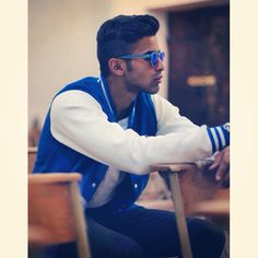 Perfect mix with #blucollege sweater and wonderful bz blue mirror sunglasses #nohow you can find it on www.nohowstyle.com