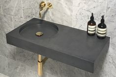 Cero Black Wall Mounted Sink with Deck Area - Kast Concrete Basins Design Minimalista, Interior Minimalista, Minimalist Bathroom, Modern Bathroom, White Bathrooms, Luxury Bathrooms, Master Bathrooms, Dream Bathrooms, Vanities