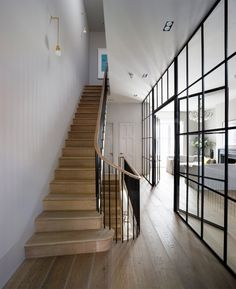 I WANT THESE STAIRS love them completely. Wooden tread, simple handrail and balustrade. BY Michaelis Boyd Associates – staircase Interior Exterior, Interior Architecture, Interior Doors, Kitchen Interior, Crittal Doors, Crittall Windows, Holland House, House On A Hill, Staircase Design