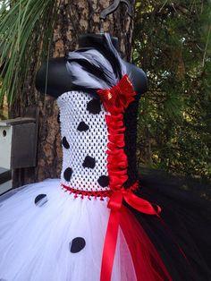 Cruella Deville inspired tutu dress with hair clip - Disney's 101 Dalmatians - deville costume -newb Halloween Outfits, Halloween Costumes, Halloween 2019, Baby Costumes, Costumes For Women, Diy Cruella Deville Costume, Black Puppy, Red Silk, Unique Outfits