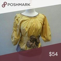 Trendy boutique style puffy sleeve blouse Brand new  yellow and taupe puffy sleeve blouse RYU Tops Blouses