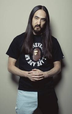 Dj Steve Aoki, Male Poses, Armin, Photoshoot, T Shirts For Women, Book, Fashion, Moda, Photo Shoot