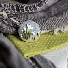 Купить Первый подснежник. Брошь - серый, белый, подснежник, брошь цветок, брошь из полимерной глины