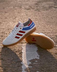ea199b7d6 adidas Originals Handball Top I gotta find these! I need them in my  collection.