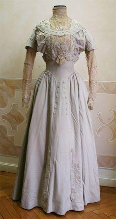 Enchanted Serenity of Period Films: Edwardian Fashion - Image Gallery 2 Edwardian Clothing, Edwardian Dress, Historical Clothing, Antique Clothing, Edwardian Era, 1900s Fashion, Edwardian Fashion, Vintage Fashion, Vintage Outfits
