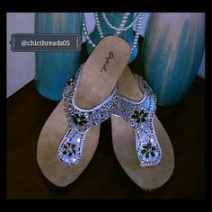 ❗CLEARANCE❗NWOT DSW Qupid Kitten Heel Sandals These are New Shoes that were never worn. Love the beautiful bead work. Qupid Shoes
