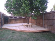 Simple deck platform for entertaining