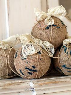 decorazioni-palle-di-natale-polistirolo-shabby-chic-juta-+-pizzo.jpg (300×400)