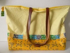 BIG bag by Laurie Wisbrun | featuring Bright and Buzzy and Modern Whimsy fabric