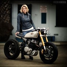 The starting point was a 1987 Honda XL600R enduro, and it was commissioned by Battlestar Galactica actress (and avid motorcyclist) Katee Sackhoff.