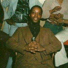 Early pic of Bo John, 1 of the founders of the Cabrini Green Insane Gangster Disciples 🔱💙 Ike Taylor, Vice Lords, T Shirt Sketch, Gangster Disciples, Chicago Gangs, Real Gangster, Black History Facts, Black Families, African Diaspora
