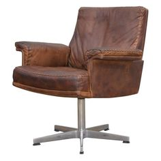 Vintage de Sede DS 35 Executive Swivel Desk Armchair, 1960s | From a unique collection of antique and modern armchairs at https://www.1stdibs.com/furniture/seating/armchairs/