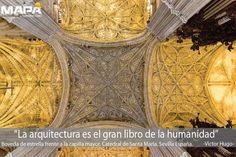 """#Frase del día: """"La arquitectura es el gran libro de la humanidad"""" Víctor Hugo... Catedral de Santa María en #Sevilla #España, es la Catedral Gótica Cristiana con mayor superficie en el mundo. Aquí la bovedad de estrella frente a la capilla mayor."""