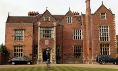 Great British Houses: Chequers – The Country Home of Britain's Prime Minister Gothic Mansion, English Manor Houses, Castles In England, Great British, British History, Britain, Prime Minister, Mansions, Country