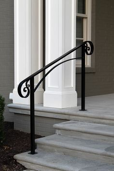 Ideas for front door porch steps stairs Front Porch Railings, Front Stairs, Front Door Porch, Front Door Entrance, House Entrance, Front Doors, Garage Doors, Porch Handrails, Outdoor Stair Railing