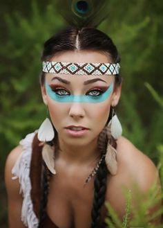 maquillage indienne, plume de paon, boucles d'oreilles plumes