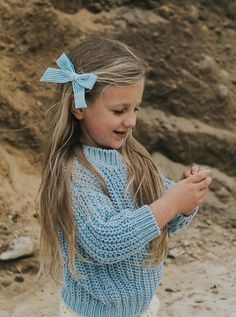Oversized Schoolgirl // Newport - Wunderkin Co. Handmade hair bows for you baby, toddler or little girl and her free spirited style. Handmade by women in the usa and guaranteed for life. Beach adventures for the win. Little Girl Fashion, Toddler Fashion, Kids Fashion, Hair Product Organization, Handmade Hair Bows, Teen Kids, Making Hair Bows, Little Girl Hairstyles, Girls Bows