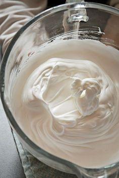 Cómo hacer el merengue francés perfecto: trucos y usos en la cocina