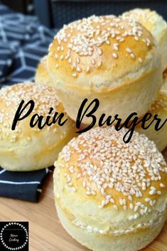 pain burger maison - Basic Homemade Bread Recipe - The healthiest bread to make? Burger Bread, Burger Buns, Naan, Asparagus Pizza, Krups Prep Cook, Homemade Burgers, Low Carb Pizza, How To Make Bread, Food And Drink