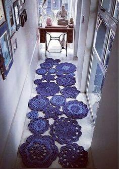 T-shirt yarn mandalas Crochet Doily Rug, Crochet Carpet, Crochet Diy, Crochet Home Decor, Love Crochet, Doily Patterns, Crochet Patterns, Knitting Patterns, Bandeau Crochet