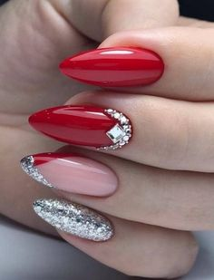 Naturally Informations About Nail Art Ideen Fotos, NailArt Nail Design Ideen Fotos, Videos, Unterricht, Maniküre! – Rezepte Pin You … Red Nail Art, Red Acrylic Nails, Acrylic Nail Designs, Nail Art Designs, Nails Design, Holiday Nails, Christmas Nails, Green Christmas, Simple Christmas