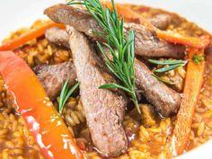 Arroz de presa ibérica y boletus  Reserva online para comer arroz. EligeTuPlato.es