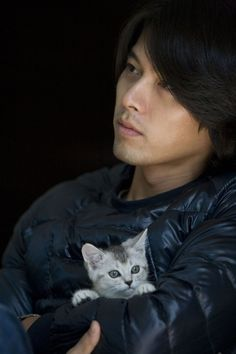 Hyun Bin - holding a kitten. Are you kidding me?!