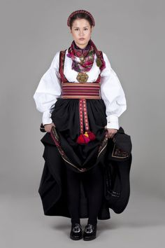 Beltestakk med band - Almankås Traditional Outfits, Victorian, Clothes, Norway, Dresses, Band, Fashion, Outfits, Vestidos