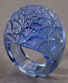 Art Deco glass Bouton de Fleur ring, by René Lalique, circa 1932 Lalique Jewelry, Glass Jewelry, Jewelry Art, Vintage Jewelry, Fine Jewelry, Jewelry Design, Glass Ring, Jewellery Bracelets, Vintage Art