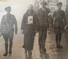 "oglaighnaheireann: ""This picture features Father Dominic being led away by Free State Troops. He was in the Four Courts ministering First and Spiritual Aid to the IRA Garrison, Commanded by Ernie. Old Pictures, Old Photos, Ireland 1916, Irish Free State, Michael Collins, Irish Culture, Civil War Photos, St Paddys Day, Ares"