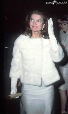 http://en.wikipedia.org/wiki/Jacqueline_Kennedy_Onassis Mrs. Kennedy at the White House in 1961 First Lady of the United States In office January 20, 1961 – November 22, 1963