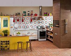 bunte Küchenfliesen in der Küche mit offenem Grundriss