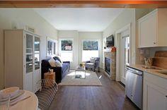 Si vivir en 37 metros cuadrados les parece que suena un poco incómodo, ¡Tienen que explorar esta elegante casa que parece muy amplia a pesar de su pequeño tamaño! Se halla en el resort Wildwood Lakefront Cottage, la elegante casa tiene mucha...