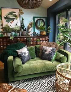 Botanical dark boho living room dreams with a forest green velvet couch! Love it! - Botanical dark boho living room dreams with a forest green velvet couch! Love it! Botanical dark boho living room dreams with a forest green velvet couch! Love it! Eclectic Living Room, Living Room Green, Boho Living Room, Interior Design Living Room, Living Room Designs, Bohemian Living, Bohemian Homes, Bedroom Green, Green Rooms