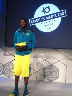 SHOES / NIKE KD VI / KEVIN DURANT: Kevin Durant shows off his new shoe, the Nike KD VI. PHOTO BY DARNELL MAYBERRY, THE OKLAHOMAN