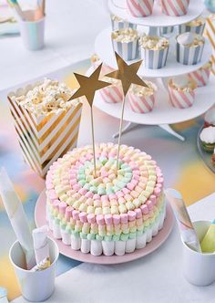 Wonderful Absolutely Free fruit cake decoration Tips - yummy cake recipes Fruit Birthday Cake, Birthday Cake Girls, Easy Kids Birthday Cakes, Candy Cakes, Cupcake Cakes, Cute Cakes, Yummy Cakes, Marshmallow Cake, Fresh Cake