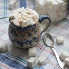 Рецепт домашнего машмерллоу Homemade Marshmallows, Sugar Bowl, Bowl Set, Mugs, Tableware, Dinnerware, Tumblers, Tablewares, Mug