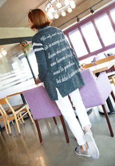 Today's Hot Pick :デニムポイントレタリング入りニットカーディガン【Lemite】 http://fashionstylep.com/SFSELFAA0016198/min3111jpp/out 伸縮性のあるアクリル素材を使ったロング丈ニットカーディガンです。 襟とポケットにデニム素材があしらわれたユニークなアイテム☆ バックにはホワイトカラーのレタリングが入ってカジュアル感UP↑↑ シンプルなデニムパンツやTシャツとのレイヤードがオススメです♪ ◆色: チャコール ※交換、返品が難しい商品ですので慎重にご検討下さい。